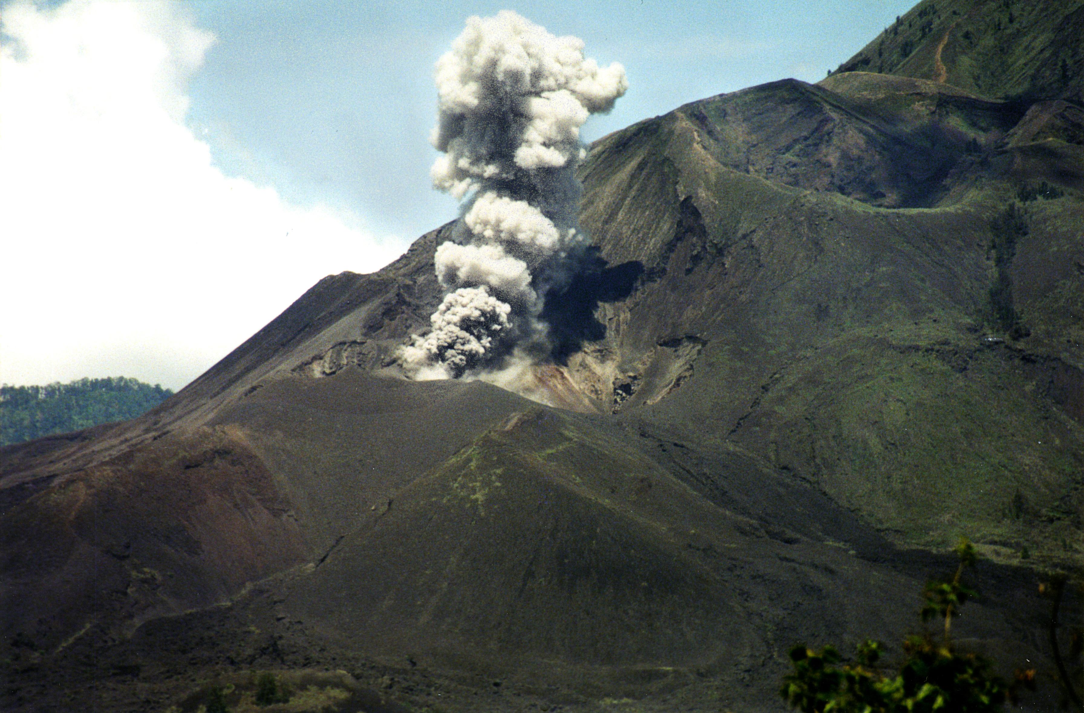 Volcanoes Bali Indonesia Volcano Erupting in Bali