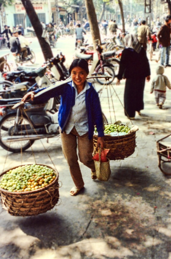 Apple Seller - Hanoi, Vietnam