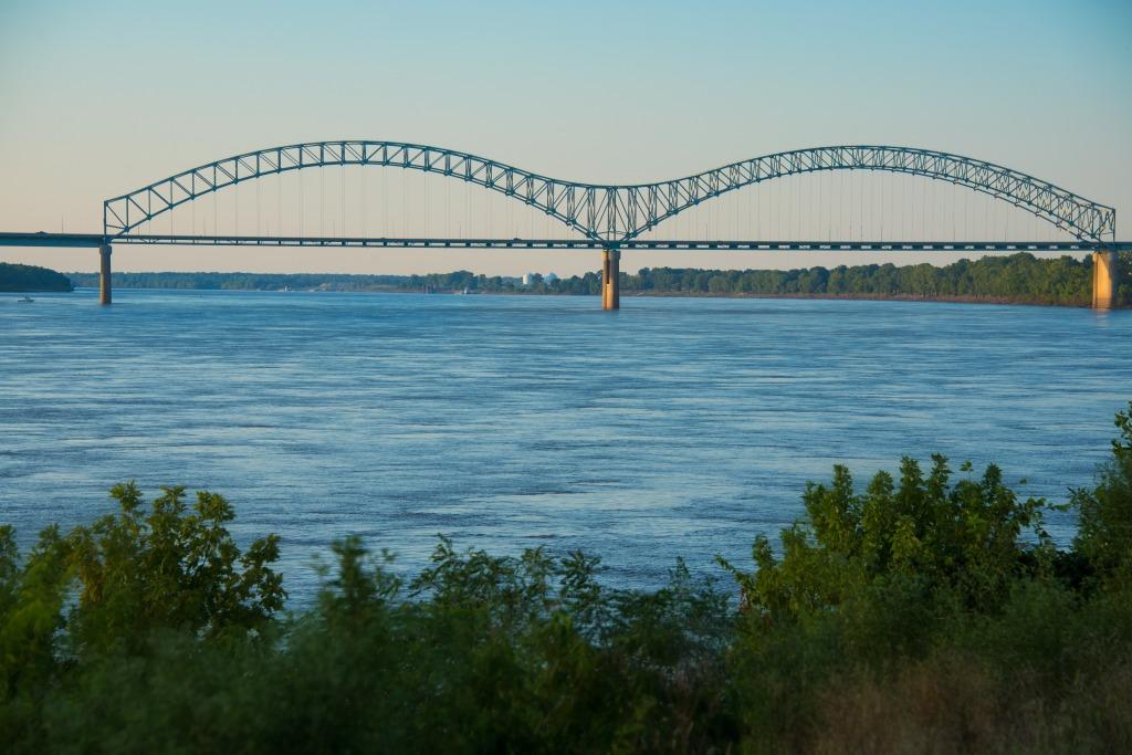 Hernando de Soto Bridge - Memphis, Tennessee