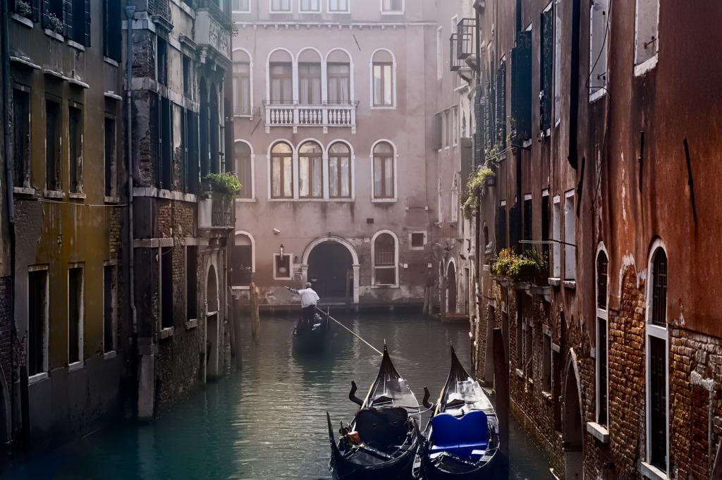 Venice Backstret